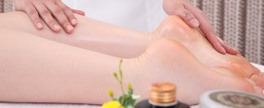 How to use Argan oil to cure your cracked heels